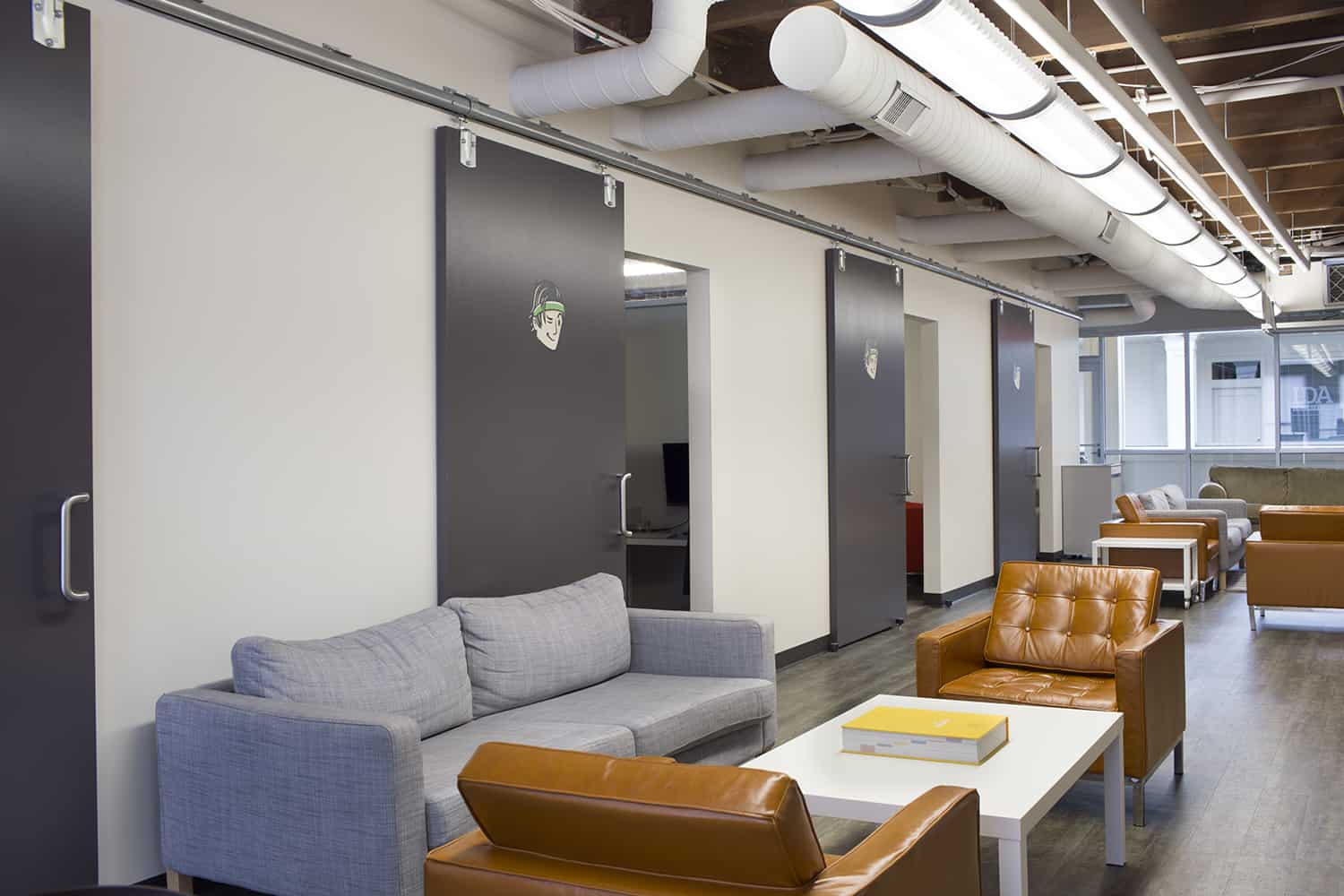 Bellhops-Chattanoga-Office-Space-Design-By-HK-Archiect